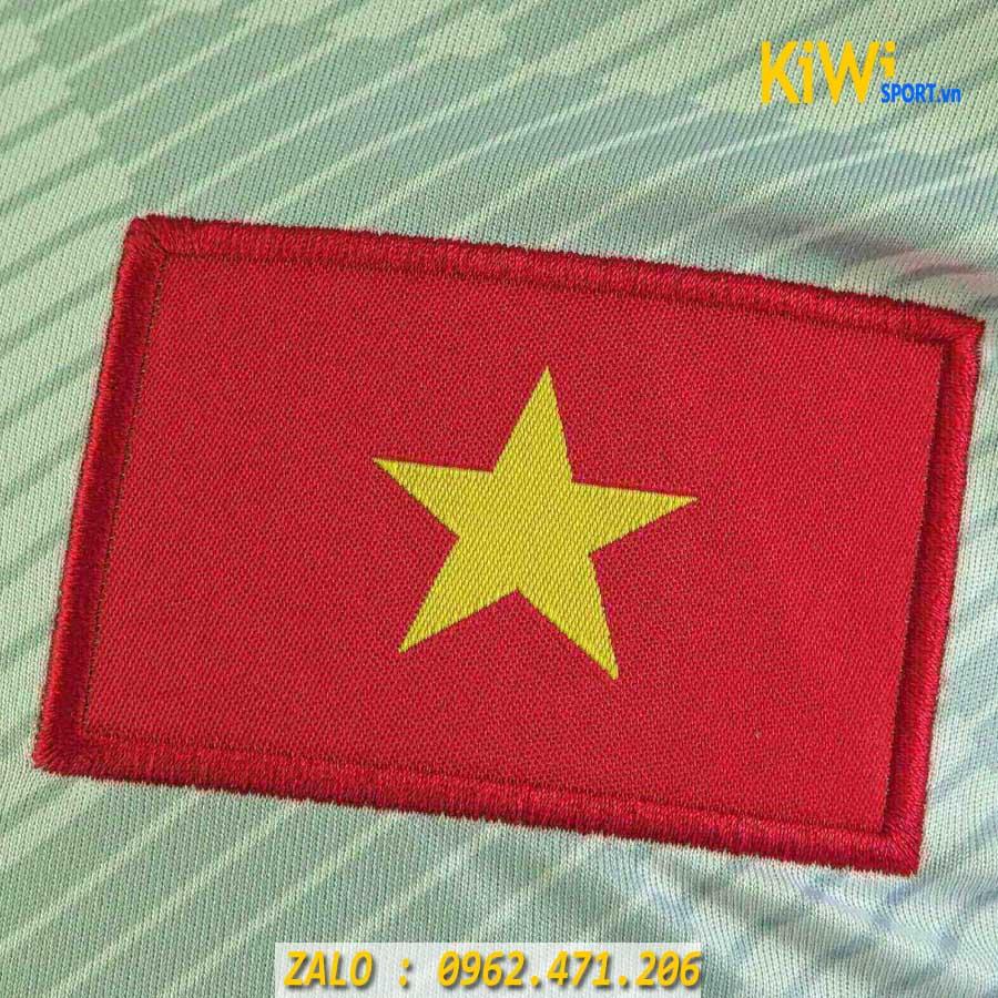 Huy hiệu hình rồng cho các đội tuyển bóng đá Việt Nam bị ...