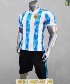 Áo Đấu Tuyển Argentina 2020 Sọc Xanh Trắng Rất Đẹp