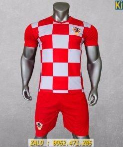 Áo Đá Banh Tuyển Croatia 2020 Sọc Caro Trắng Đỏ Rất Đẹp